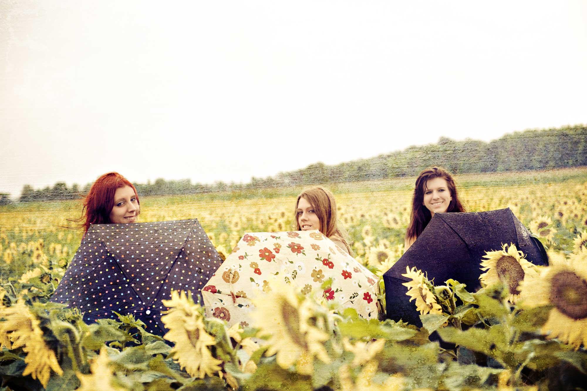0638-SUNFLOWER-GIRLS-2000-web